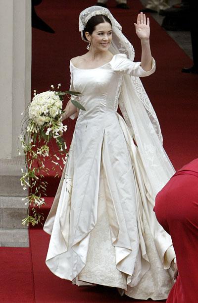丹麦王妃服装大全照_仪态万方的丹麦新王妃
