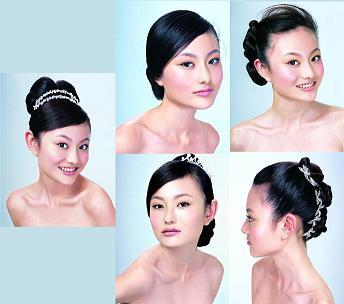 同向的刘海顺从地指过脸平面于耳后,从容悠然地享受属于它自己的完美图片