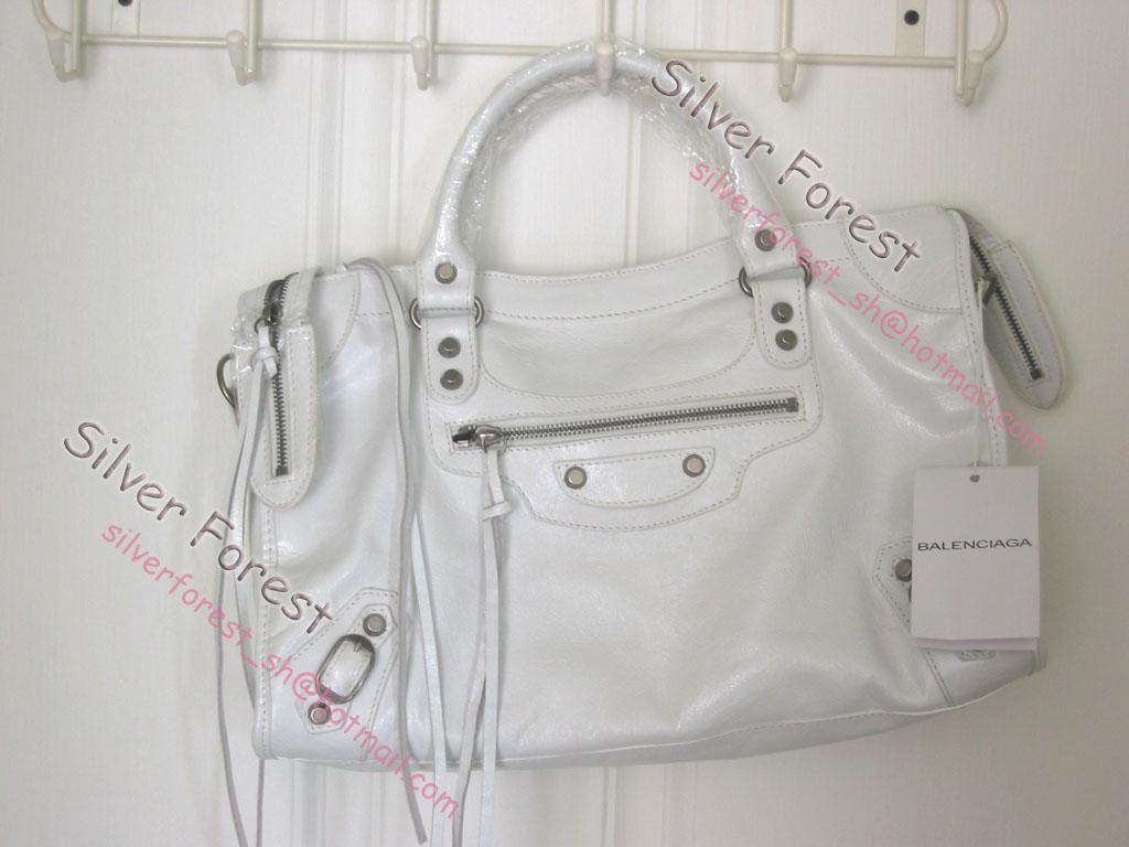巴黎世家白色包包