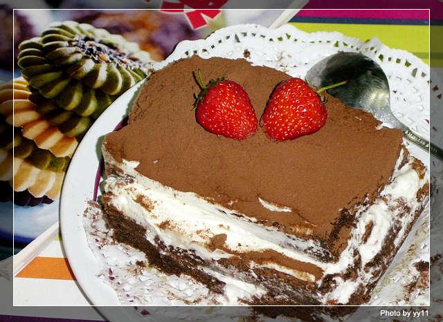 今天收到的2个生日蛋糕图片
