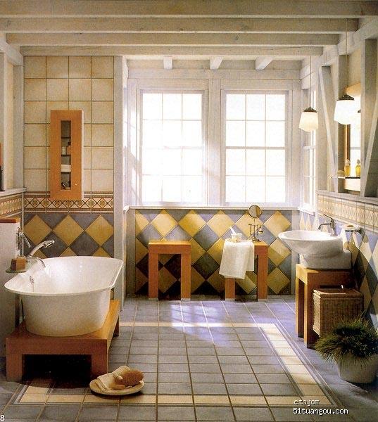 浴桶摆放狭长卫生间装修效果图