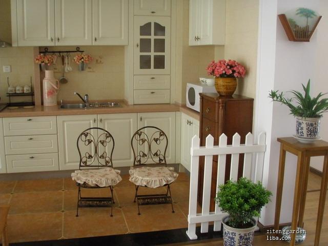 楼主家门厅和厨房的砖是罗马利奥的吧?