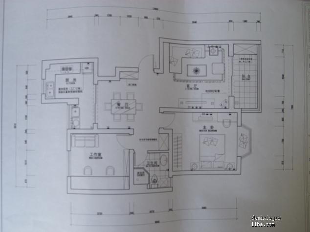 瓷砖主卧平面设计图