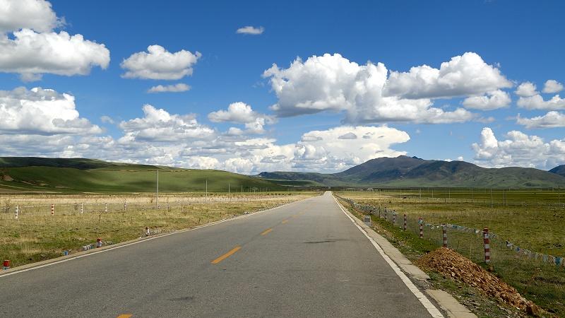 成雅高速的盡頭就是著名的茶馬古道