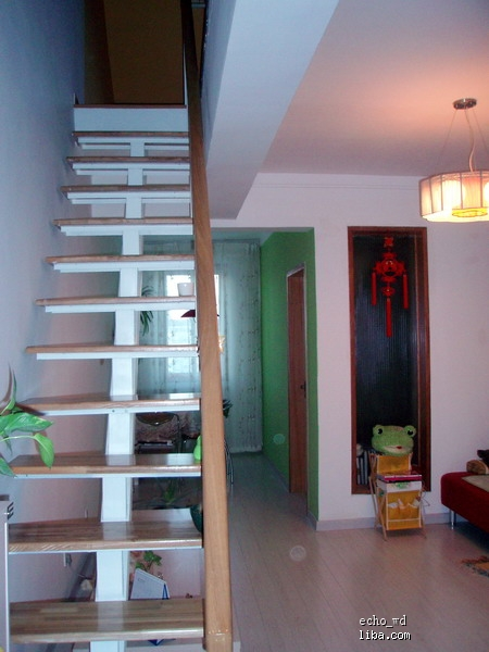 客厅阁楼楼梯效果图; 55平小户型复式装修风格