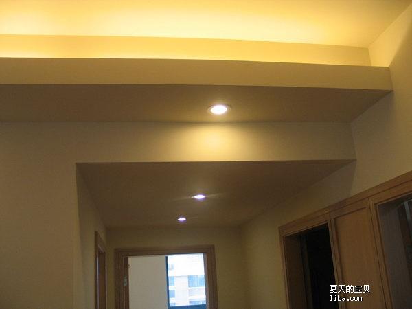 客厅墙面漆什么颜色呢