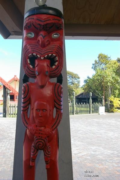 吐舌头、瞪眼睛,毛利人部落的挑衅动作   发送悄悄话   工分:   浙江