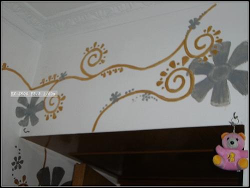 我的手绘墙们 新增 p11 新房子的海浪墙 p12老房子的花墙