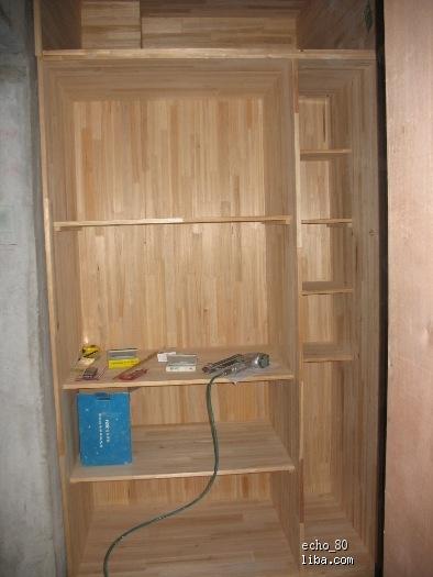 木工柜子是不是都是用汽钉钉的,老爸说怕不牢,偶不大懂 今天下午油漆