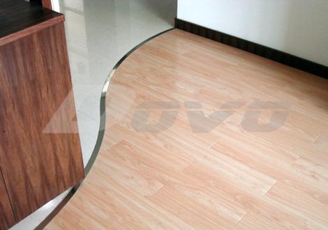 复合地板和地砖s型的收口,如何处理?