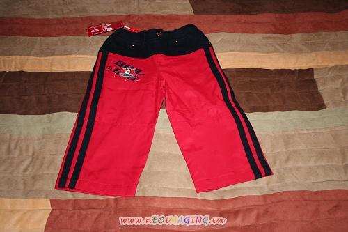 红色宽腿运动裤