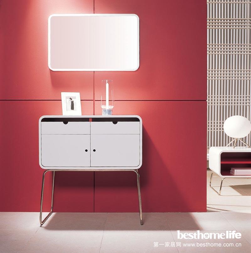 棕红色欧式房门和开放式厨房的颜色搭配