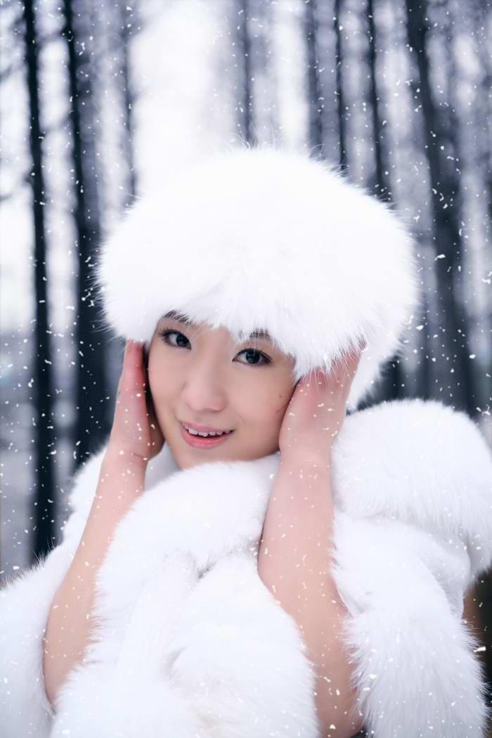 雪景新娘婚纱照片_雪景婚纱照 保暖最重要 婚庆频道