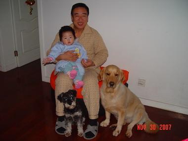 狗狗和宝宝一样可以和谐相处