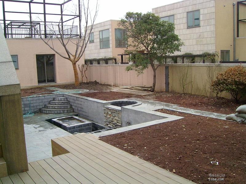 春天到了,开始种植的历程,先种主树; 装送30平米小院子; 图片