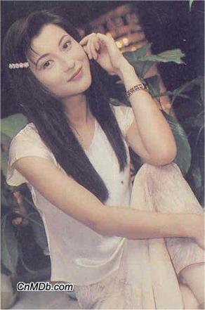 林青霞年轻的时候脸好小啊