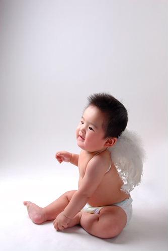 真实婴儿耍酷头像图片