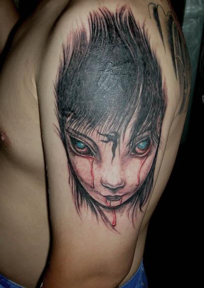 最初由          的  纹身师老张 发表: 昨天这个叫梁小妖的胖子要把