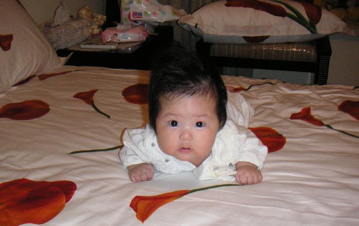 婴儿飞机手不会抬头