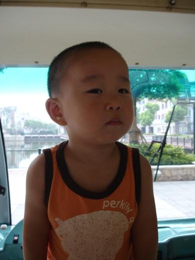 大头儿童男孩发型