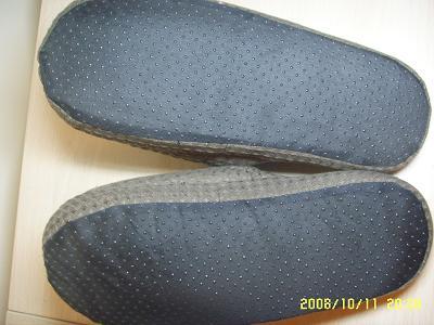 再看看鞋底吧,点塑防滑鞋底  -出口日本的家居拖鞋热卖中 10块一双