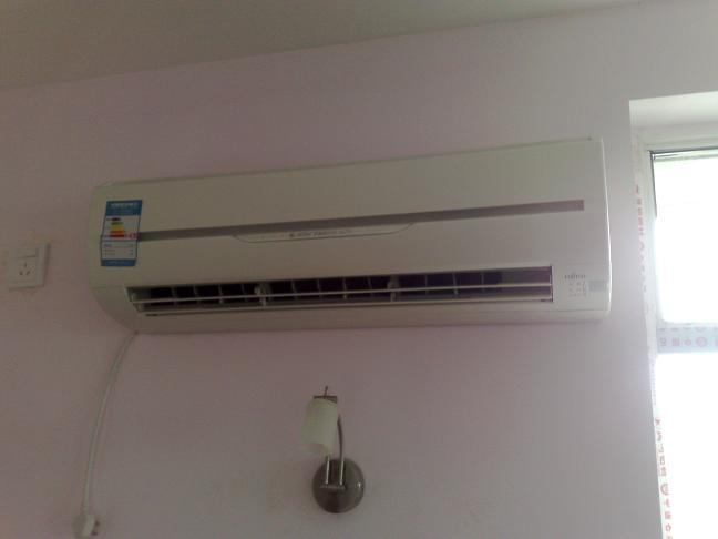 卧室的富士通空调安装完毕