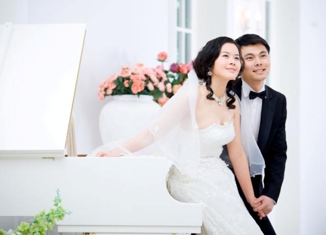 唯一视觉 摄影师:阿波 化妆师:萍萍 助理:名字没记住