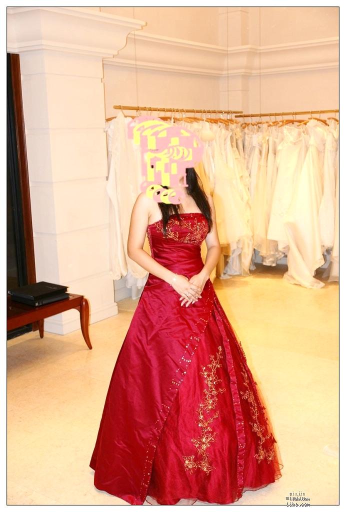 红色缎面亮片刺绣及地礼服 彩纱 料子超好 绝对超值 有真人兽 细节图