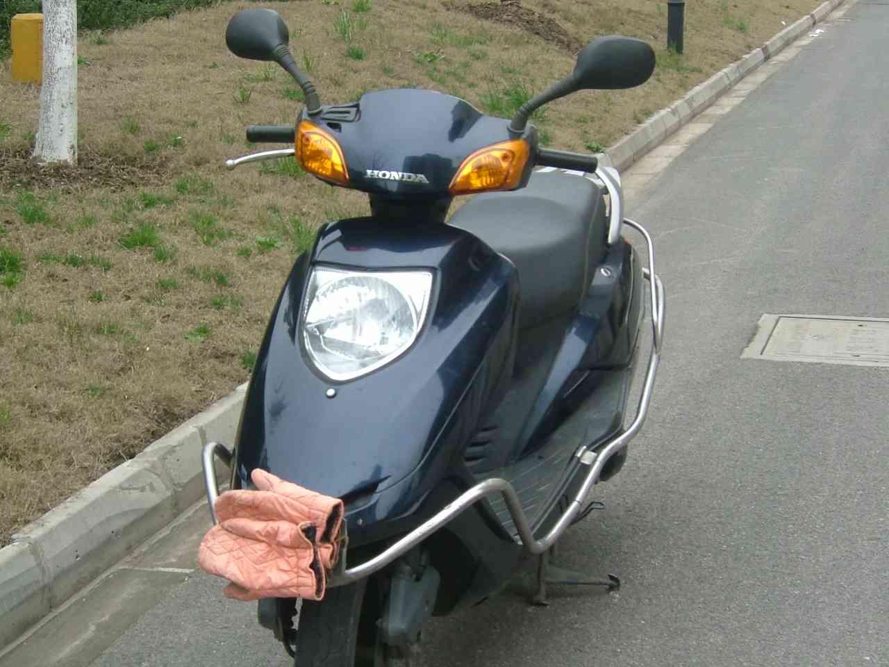 个人闲置五羊本田125-2踏板摩托车图片