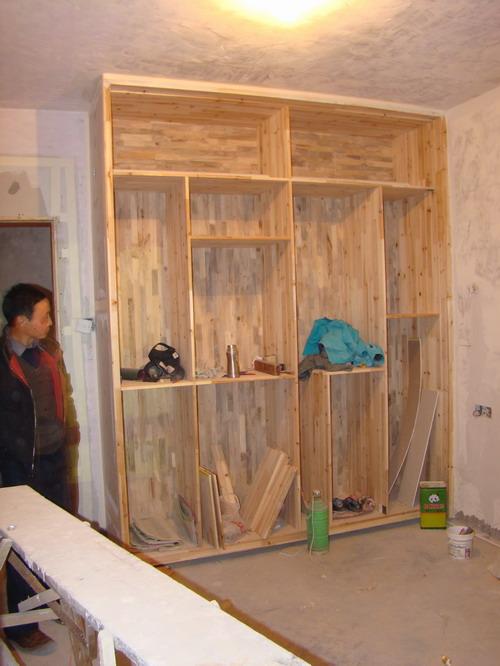 杉木板衣柜,背板是香嶂木