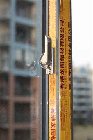 电视天线的同轴电缆接线最好使用分置器或接线盒