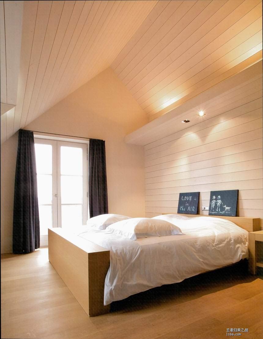 求助:卧室斜顶应该怎么装修?