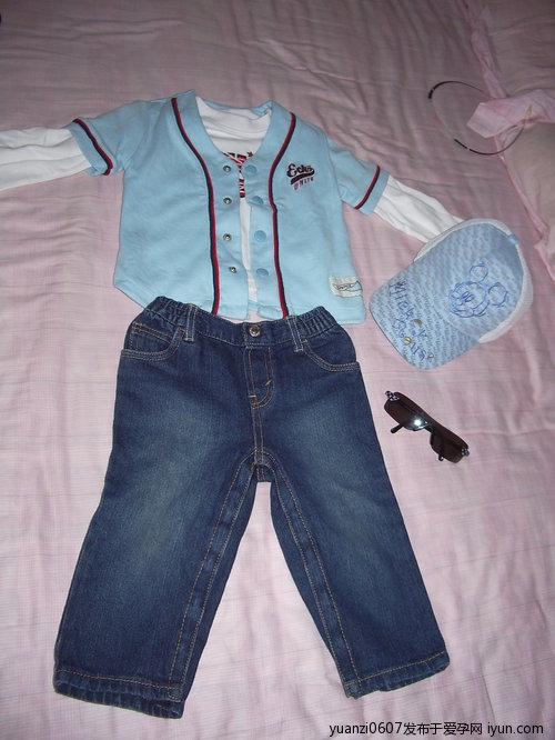 1岁男宝宝的服饰搭配秀