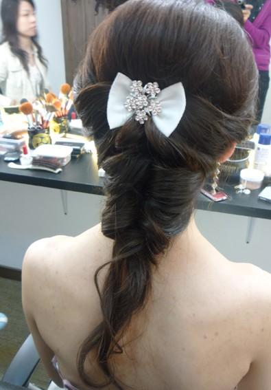 新娘发型背面步骤