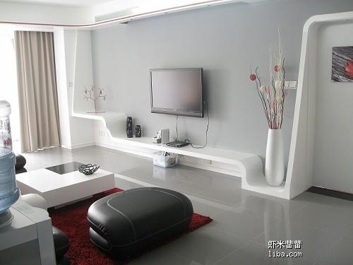客厅电视机弧度台:一点点的做完木架子