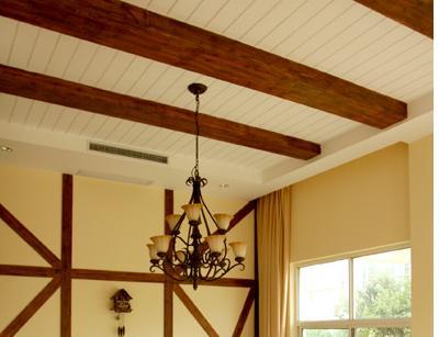 讨论:这种美式风格的天花吊顶和护墙板材料(石膏板抽缝?木板?图片