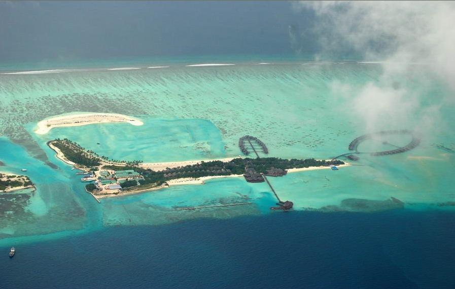 这里插一张双鱼岛的俯视图,非常之壮观.