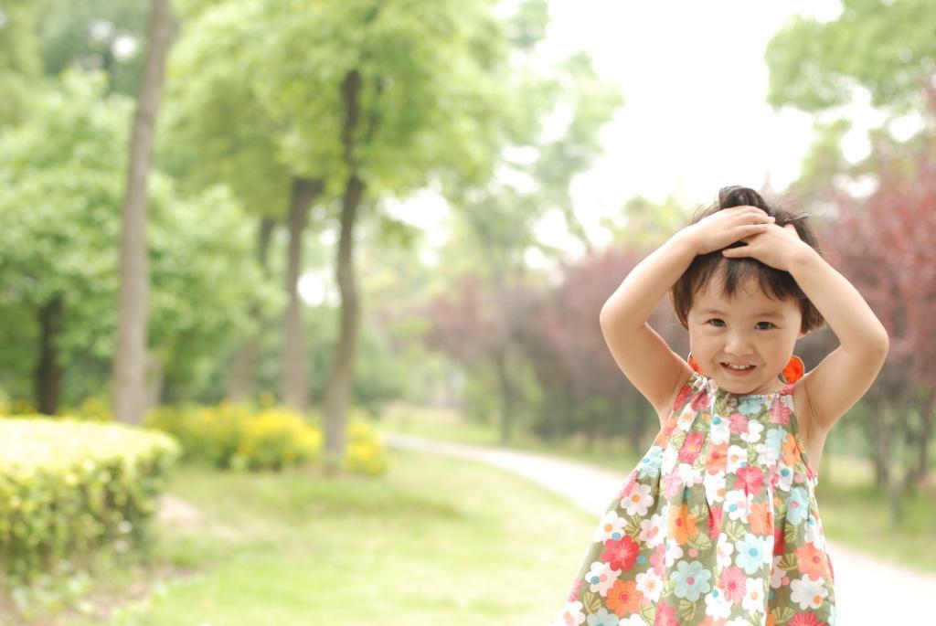 美女 小贝 跟爸爸妈妈的第一次旅行;