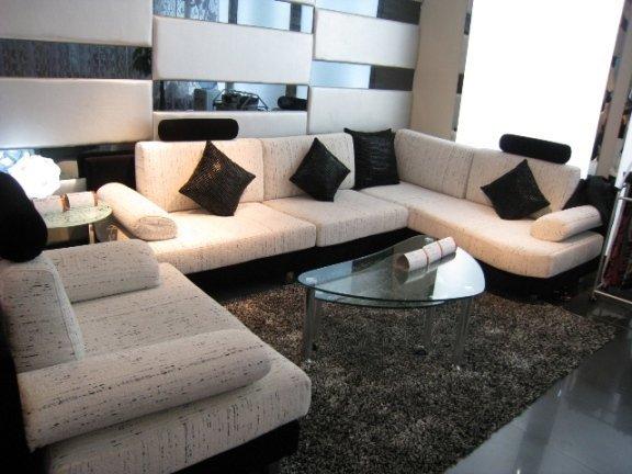 客厅过道小黑白贴瓷砖效果图