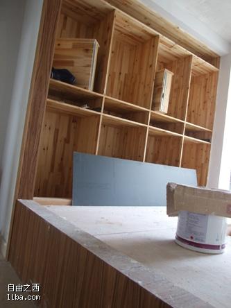 1,我们家的北边原来做我和我lg打算做儿童房的小房间改成了一个图片