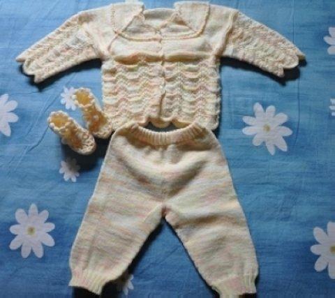 晒晒手织宝宝毛衣,小鞋子,小披肩,很漂亮很漂亮的哦