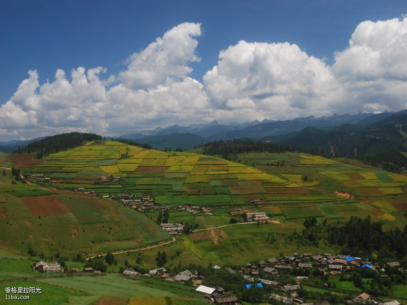 与四川甘孜藏族自治州