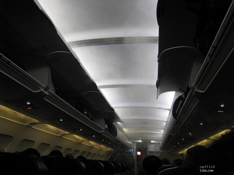 亚航的飞机,冒着冷气,如果说杭州到吉隆坡的飞机是