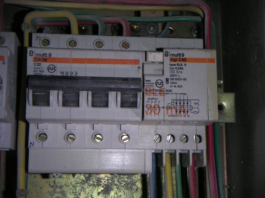 三相漏电保护接线图