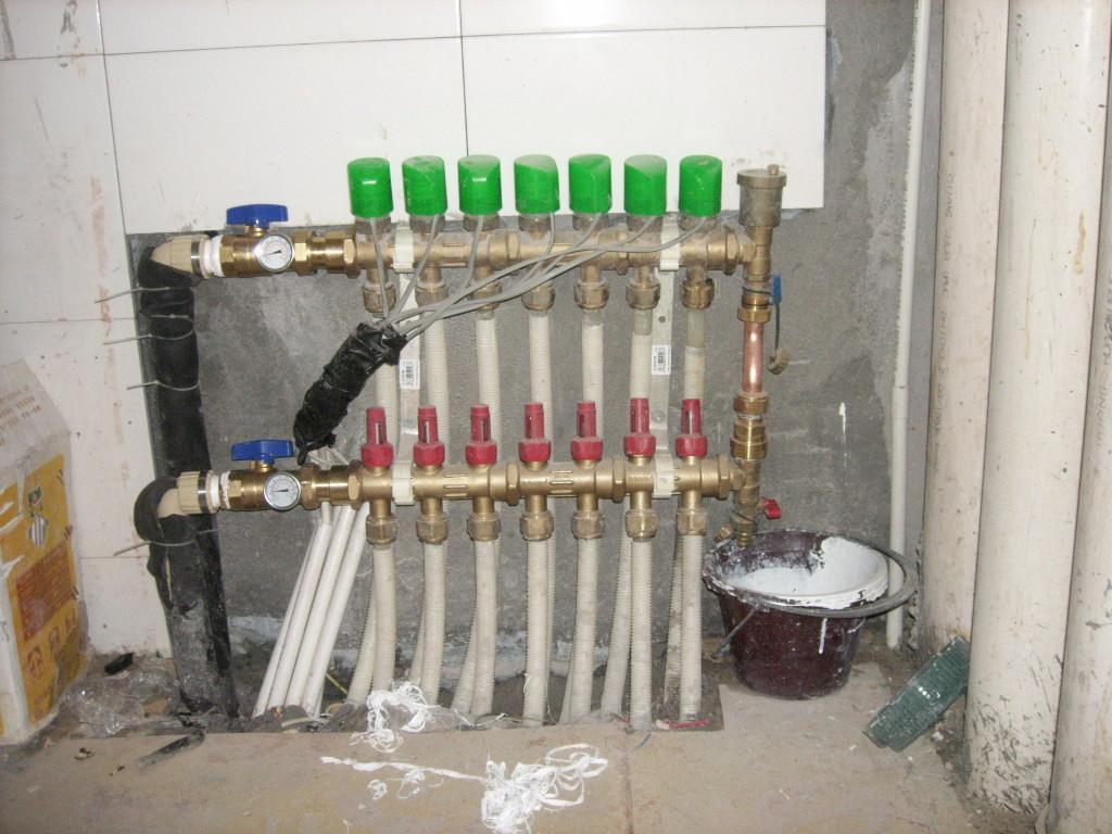 地暖分水器电源开关接线图