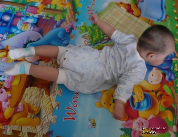 4个月宝宝拇指内扣 图片 五个月宝宝拇指内扣 小孩14个月还拇指内扣