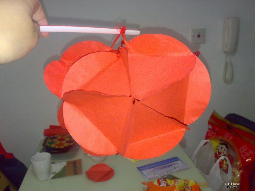 做了个绣球灯给非非带到幼儿园去