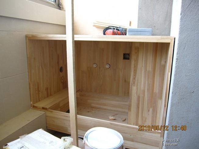 木工师傅打的阳台洗衣柜 洗衣池我打算买个不锈钢的水槽