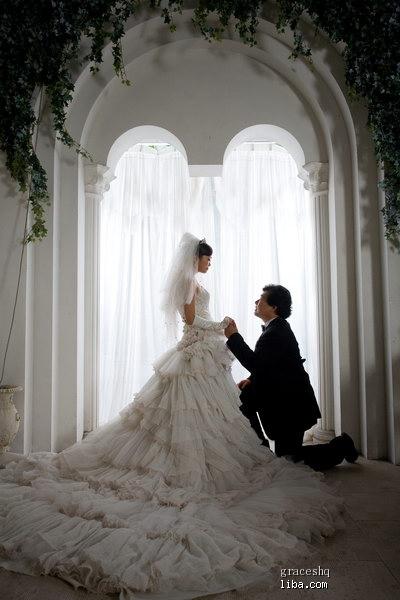 大作女+胖哥哥的婚纱照