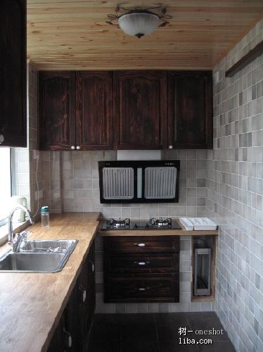 【木与木蜡油-树diy的实木家具系列】之-砖砌橱柜木